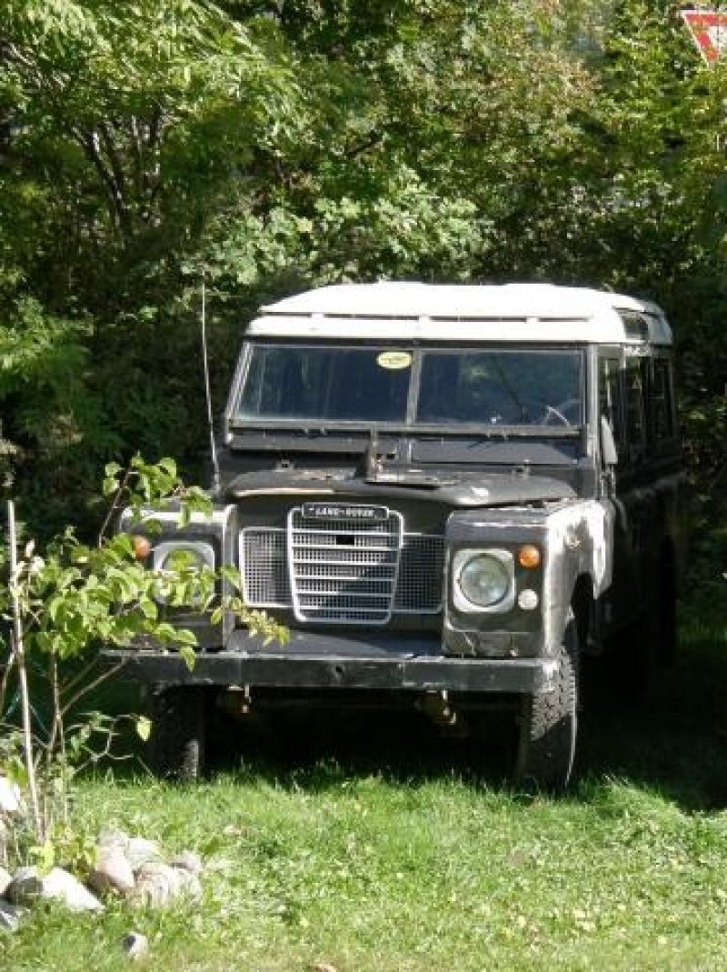 1972 Land Rover Series III 109 2.25l I4
